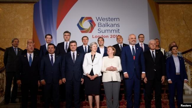 'Sve naše političke elite su desnije od Angele Merkel.' (Foto sa samita EU-Zapadni Balkan, London, 2018)
