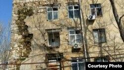 Nizami rayonu, Babək prospekti 87 ünvanda yerləşən yataqxana.