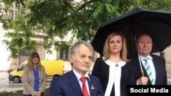 Мостафа Җәмилев Прагада, 2015 елның 20 мае (Ирина Геращенко рәсеме)