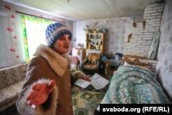 Еўдакія Мікалаеўна ганарыцца ўласнаручна зробленым рамонтам. Гэта яе «заля»