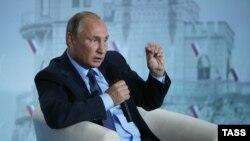Владимир Путин на форуме Общероссийского народного фронта «Форум действий. Крым» в аннексированной Ялте