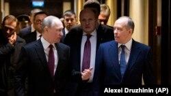 Президент Владимир Путин и глава ФСБ Александр Бортников перед заседанием коллегии Федеральной службы безопасности России, 20 февраля 2020 года