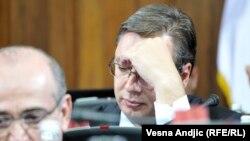 Održavanje vanrednih izbora i košta i utiče na druge procese u zemlji (na slici: Aleksandar Vučić)