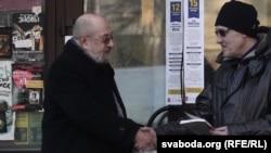 Філёзаф Валянцін Акудовіч і мастак Адам Глёбус
