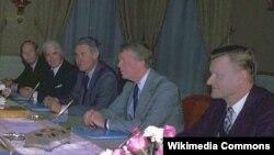 Альфред Атертон, Вільям Салліван, Сайрус Венс, Джиммі Картер і Збігнєв Бжезінський, 1977 рік