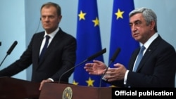 Armenia - President Serzh Sarkisian (R) at a joint news conference with European Council President Donald Tusk, Yerevan, 20Jul2015.