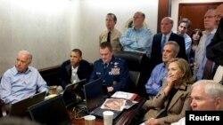 Обама и другие члены президентской администрации следят за операцией по ликвидации бин Ладена