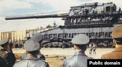 800-мм залізничне знаряддя «Schwerer Gustav», більш відоме як «Дора», 1941 р