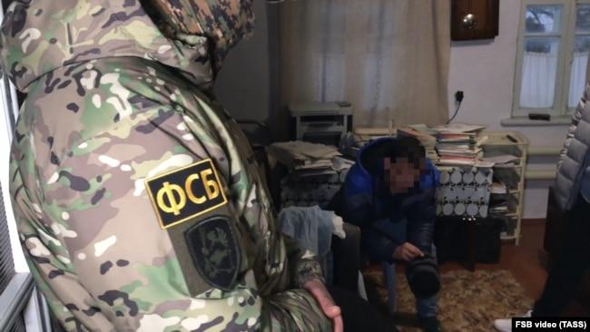 Обыски в домах крымских татар в Бахчисарае, 11 марта 2020 года