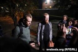 Журналісты Ўладзь Грыдзін і Аляксандар Васюковіч пасьля вызваленьня