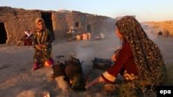 Raseljeni u privremenom naselju kod Herata