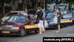 Таксі ў Менску, ілюстратыўнае фота