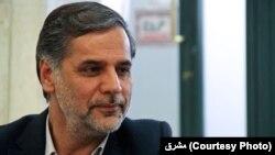 حسین نقوی حسینی، سخنگوی کمیسیون امنیت ملی مجلس میگوید: دو تابعیتیها، مود توجه جدی سرویسهای اطلاعاتی دشمن هستند