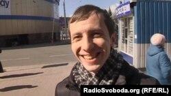 «В інтернеті і з бабусею спілкуюся українською»