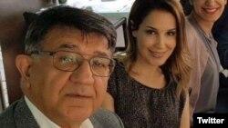 مسعود مصاحب در کنار دخترش