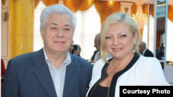 Омбудсмен Молдовы Аурелия Григориу участвует в приеме, организованном в посольстве Азербайждана в Кишиневе, 28 мая 2013 г.