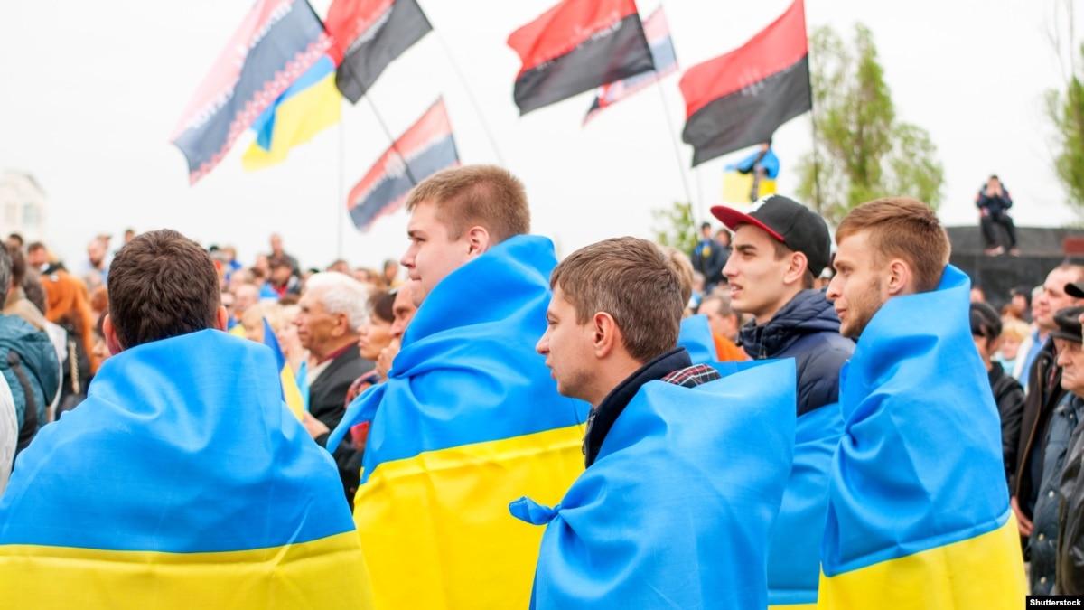 Украинцы являются мировыми лидерами по уровню недоверия власти – Gallup
