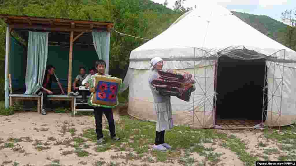 В горах Кыргызстана начался туристический сезон