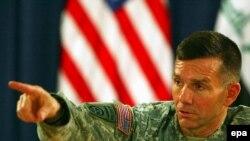 ژنرال کالدول گفت اين گونه مهمات از کشوری به داخل عراق می آيد که می گويد خواهان ياری و کمک به عراق است، پس ما هم خواهان تماس با آن هستيم.