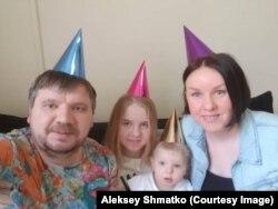 Алексей Шматко с семьей