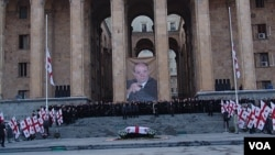 """Бывший премьер-министр Грузии и один из лидеров """"Революции роз"""" Зураб Жвания, трагически погибший в феврале 2005 года, был одной из самых ярких и серьезных фигур в грузинской политике"""