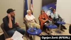 Žoris Lakost, Dragoljub Mićunović, Milena Dragičević Šešić i Ivan Medenica na tribini u Beogradu