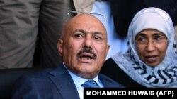 علی عبدالله صالح روز شنبه از آمادگی برای مذاکره با نیروهای ائتلاف منطقه ای به رهبری عربستانسعودی سخن گفته است.