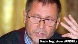 Құқық қорғаушы, журналист Сергей Дуванов. Алматы, 23 қазан 2012 жыл.