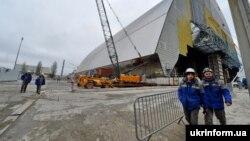 Роботи на місці четвертого енергоблоку Чорнобильської АЕС (архівне фото)