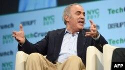 Kasparov će učestvovati na turniru u Sent Luisu u SAD