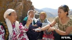 Women interviewed by RFE/RL Kyrgyz Service journalist