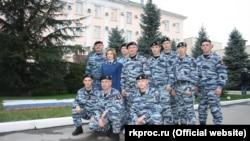 Бійці «Беркута» біля будівлі прокуратури Криму