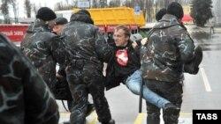 Задержание на оппозиционной акции в Минске, архивное фото.