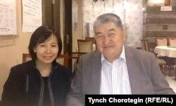 Тарыхчы Жаркын Турсун айым менен макала автору Бээжинде. 21.10.2015.