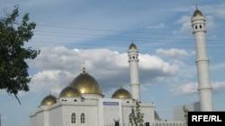 Мечеть имени Гашура-ана. Карабалыкский район, Костанайская область, июль 2009 года.