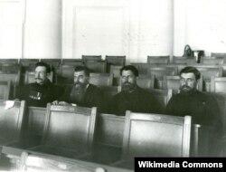 Депутаты II Государственной Думы от Орловской губернии. Второй справа – М. А. Стахович. 1907