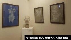 На выставке, открывшейся в галерее iArt, представлены также графические работы Русудан Гачечиладзе