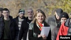 """""""Alyşmak başlandy"""" diýip, öz-özüni yglan eden Donetsk halk respublikasynyň adam hukuklary wekili bolan Darýa Morozowa aýtdy."""