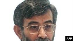 آقای الهام گفت: « اطلاع رسانی درستی در خصوص مواد ۲۳ و ۲۵ لايحه حمايت از خانواده صورت نگرفت و ديدگاه دولت تحت الشعاع مسائل حاشيه ای و سياسی قرار گرفت.»
