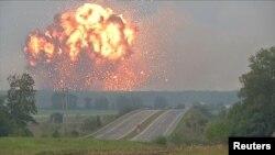 Пожар на складах боеприпасов в Винницкой области Украины.