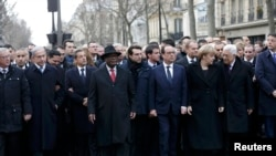 Francuski predsednik Fransoa Oland sa evropskim liderima