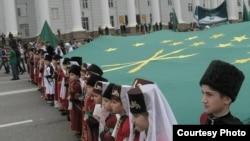 Кавказ сугышының 150 еллыгына Нальчикта йөреш, 2014 елның мае
