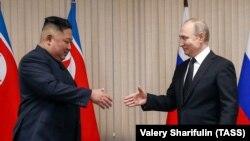Ким Чен Ун и Владимир Путин се срещнаха във Владивосток