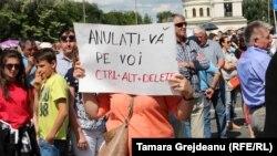 Protest împotriva anulării scrutinului de la Chişinău