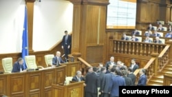 În Parlament (foto: Constantin Grigoriță)