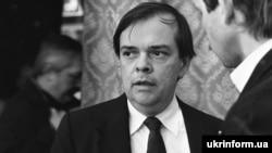 Джеймс Мейс – виконавчий директор Комісії дослідників при Конгресі США дає інтерв'ю під час міжнародного симпозіуму «Голодомор-33», який відбувся в Києві