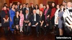 Миңнеханов Франция татарлары белән очрашу вакытында