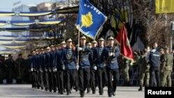 Deo Kosovskih bezbedonosnih snaga na paradi povodom obeležavanja Dana nezavisnosti u Prištini