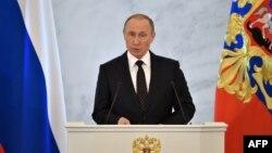 Vladimir Putin za govornicom u Kremlju, 3. prosinac, 2015.