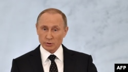 Президент России Владимир Путин выступает с ежегодным посланием. Москва, 3 декабря 2015 года.